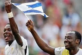 لاعب أفريقي يرفع علم إسرائيل